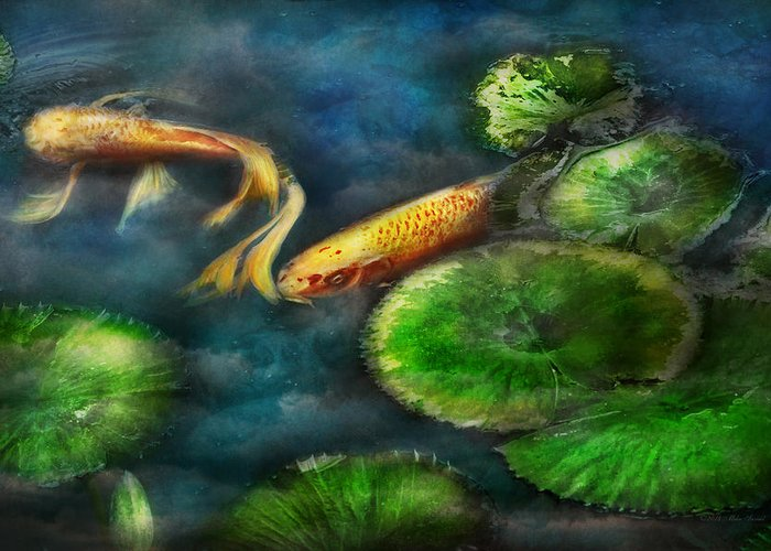 Savad Greeting Card featuring the photograph Animal - Fish - The Shy Fish by Mike Savad