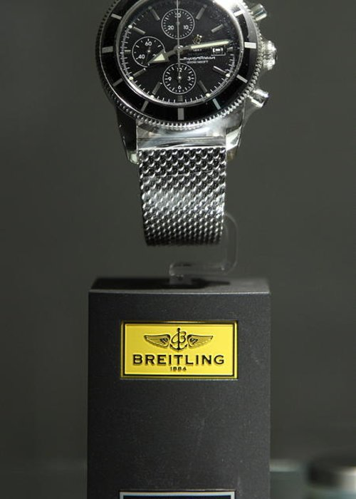 Watch Greeting Card featuring the photograph Breitling Watch - 5d20664 by Wingsdomain Art and Photography