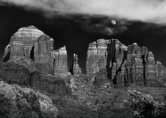 Sedona Greeting Card featuring the photograph Cathedral Rock Moon Rise by Dave Dilli