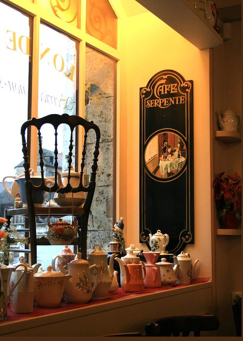Chartres Greeting Card featuring the photograph Chartres Cafe by A Morddel