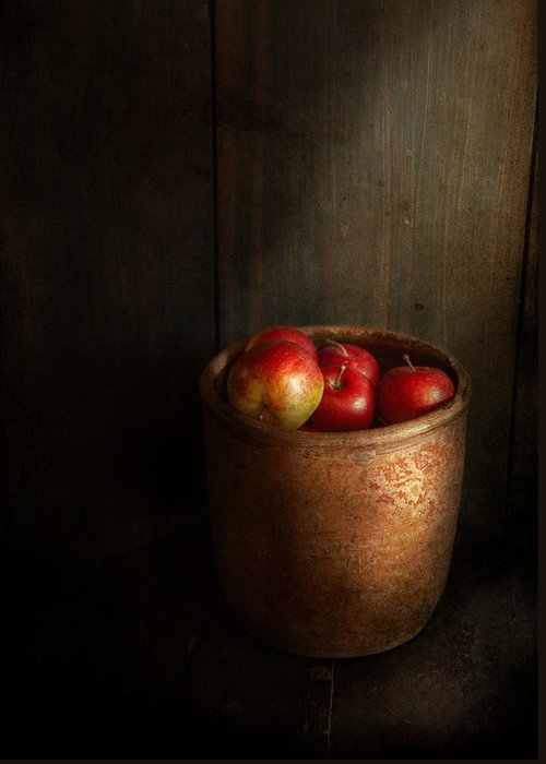 Hdr Greeting Card featuring the photograph Chef - Fruit - Apples by Mike Savad