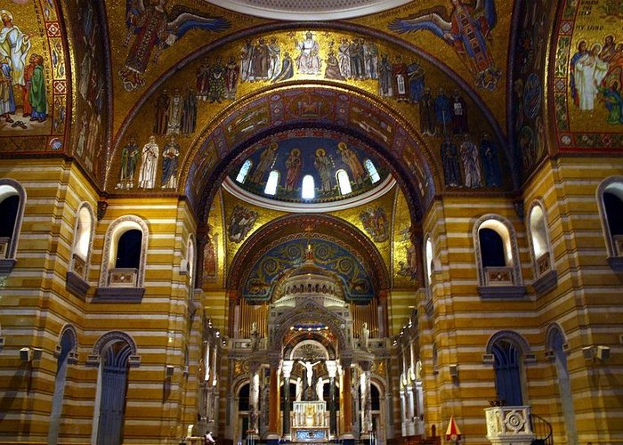 St. Louis Greeting Card featuring the photograph Christ Is Risen - St Louis Basilica by Thia Stover