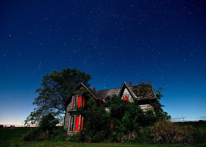 Abandoned Greeting Card featuring the photograph Haunted Farmhouse At Night by Cale Best