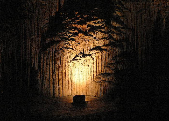 Luray Greeting Card featuring the photograph Luray Caverns - 121288 by DC Photographer