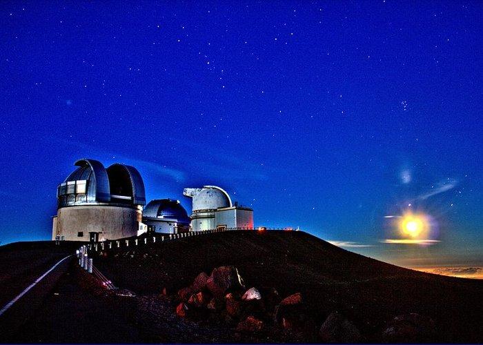 Hawaii Greeting Card featuring the photograph Mauna Kea At Moon Rise by Bob Kinnison