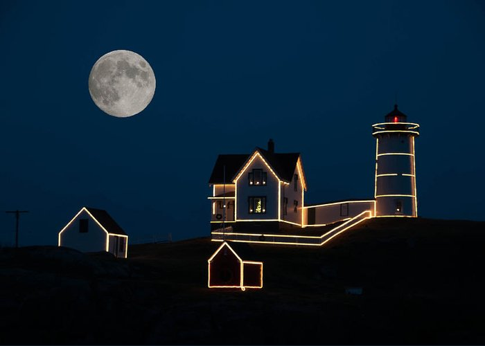 Atlantic Ocean Greeting Card featuring the photograph Moon Over Cape Neddick by Guy Whiteley