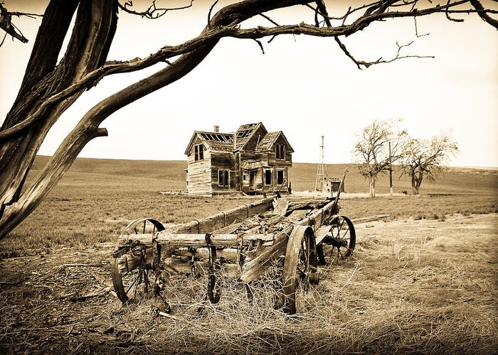 Covered Wagon Greeting Card featuring the photograph Old Wagon And Homestead by Athena Mckinzie