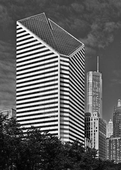 Smurfit Greeting Card featuring the photograph Smurfit-stone Chicago - Now Crain Communications Building by Christine Till