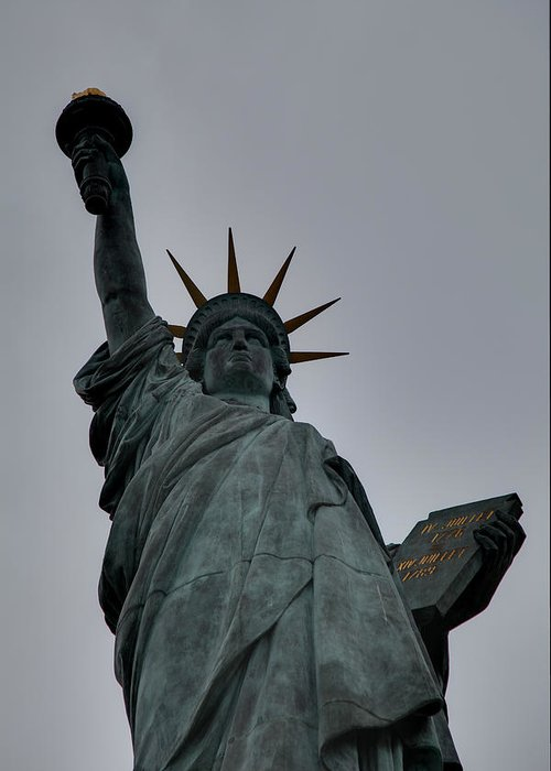 Statue Of Liberty Greeting Card featuring the photograph Statue Of Liberty - Paris France - 01132 by DC Photographer