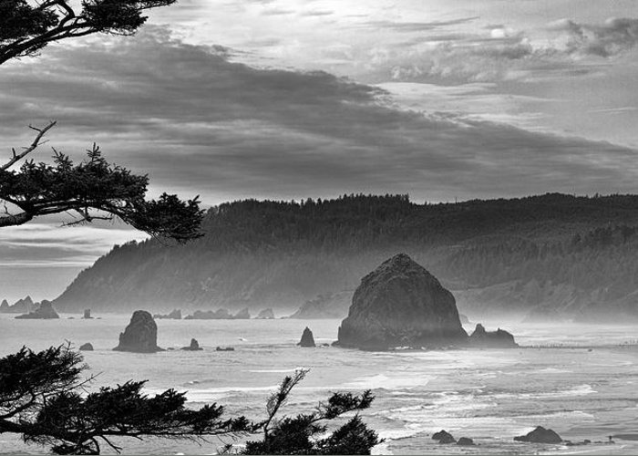 Cannon Beach Greeting Card featuring the photograph Storm Rolling In by Andrew Soundarajan