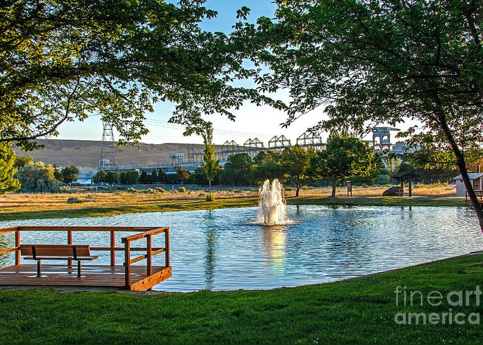 Pond Greeting Card featuring the photograph Umatilla Fountain Pond by Robert Bales