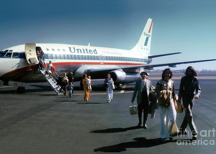 N9069u Greeting Card featuring the photograph United Airlines Ual Boeing 737-222 N9069u April 1974 by Wernher Krutein