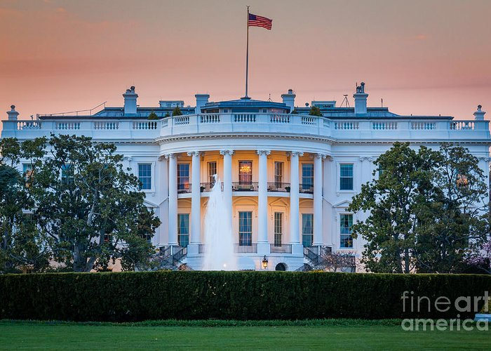 1600 Pennsylvania Avenue Greeting Card featuring the photograph White House by Inge Johnsson