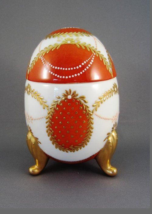 Porcelain Greeting Card featuring the ceramic art 1525 Footed Egg-box Red by Wilma Manhardt