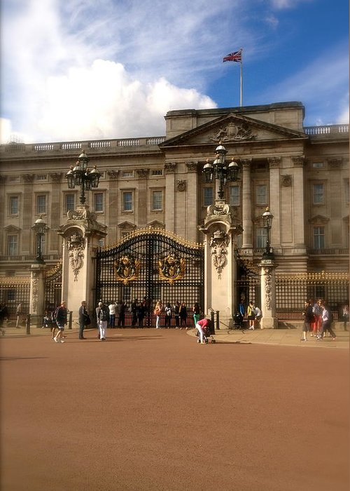 Queen Greeting Card featuring the photograph Buckingham Palace by John Colley