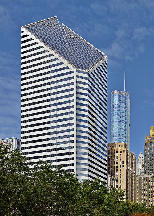 Smurfit Greeting Card featuring the photograph Chicago Crain Communications Building - Former Smurfit-stone by Christine Till