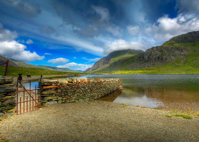 Hdr Greeting Card featuring the photograph Cwm Idwal by Adrian Evans