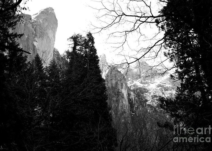 Black And White Greeting Card featuring the photograph Mountains Of Yosemite . 7d6213 . Black And White by Wingsdomain Art and Photography