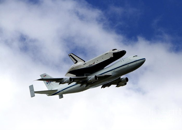 Uss Intrepid Greeting Card featuring the photograph Space Shuttle Enterprise by Thanh Tran