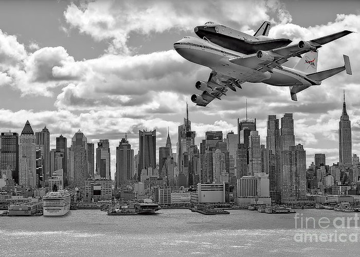 Space Shutle Enterprise Greeting Card featuring the photograph Thanks For The Show by Susan Candelario