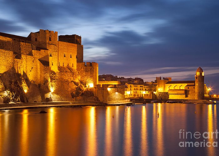 Beach Greeting Card featuring the photograph Twilight In Collioure by Brian Jannsen