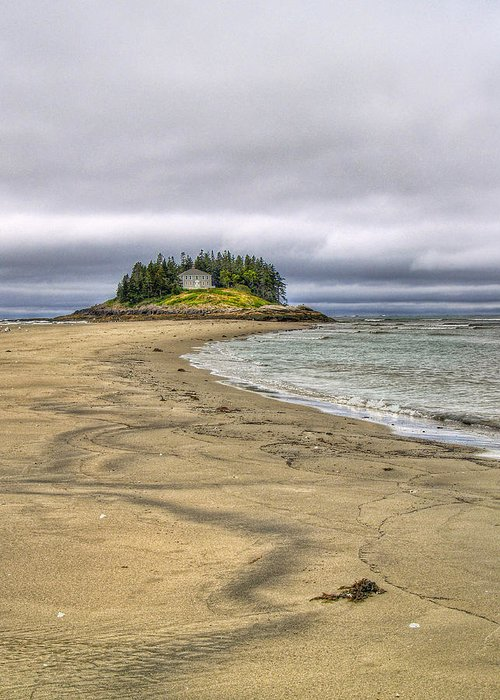Hdr Greeting Card featuring the photograph Low Tide In Popham Beach Maine by Tammy Wetzel