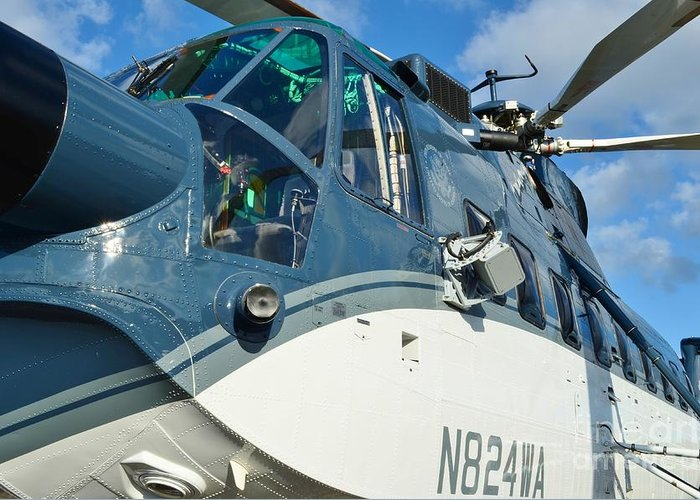 Sikorsky S-61n Greeting Card featuring the photograph Sikorsky S-61n by Lynda Dawson-Youngclaus