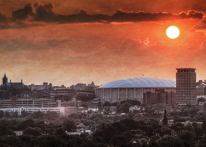 Syracuse Greeting Card featuring the photograph Syracuse Sunrise Over The Dome by Everet Regal