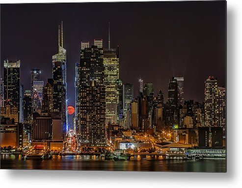 Super Moon Metal Print featuring the photograph Super Moon Rising by Susan Candelario