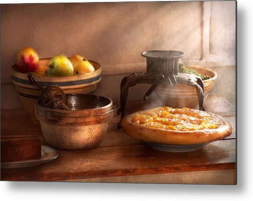 Peach Metal Print featuring the photograph Food - Pie - Mama's Peach Pie by Mike Savad