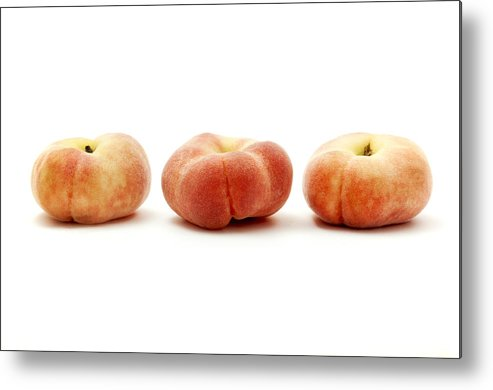 White Background Metal Print featuring the photograph Saturn Peaches by Fabrizio Troiani