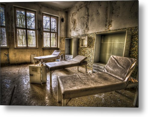 Window Metal Print featuring the photograph Three Beds Horror by Nathan Wright
