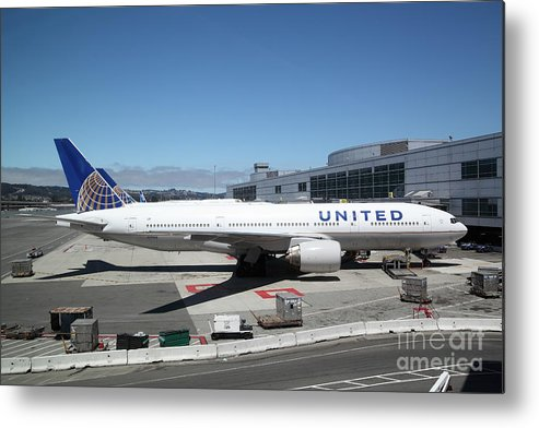 Transportation Metal Print featuring the photograph United Airlines Jet Airplane At San Francisco Sfo International Airport - 5d17107 by Wingsdomain Art and Photography