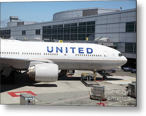 Transportation Metal Print featuring the photograph United Airlines Jet Airplane At San Francisco Sfo International Airport - 5d17109 by Wingsdomain Art and Photography
