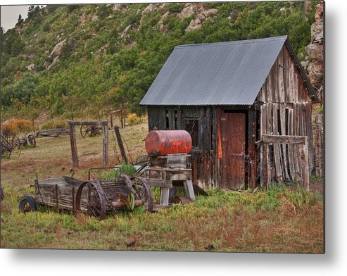 Black Mesa Metal Print featuring the photograph Colorado Ranch by Charles Warren