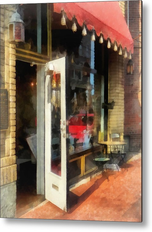 Tea Room Metal Print featuring the photograph Tea Room In Sono Norwalk Ct by Susan Savad