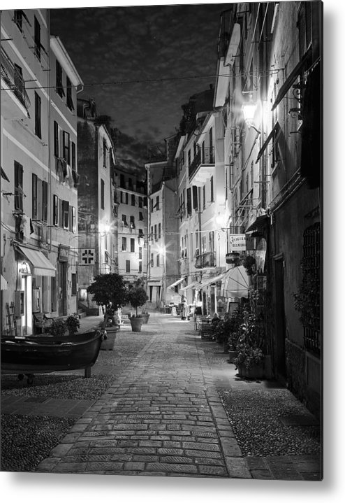 Vernazza Metal Print featuring the photograph Vernazza Italy by Carl Amoth