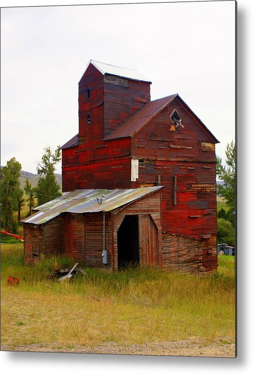 Grane Elevator Metal Print featuring the photograph Grain Elevator by Marty Koch
