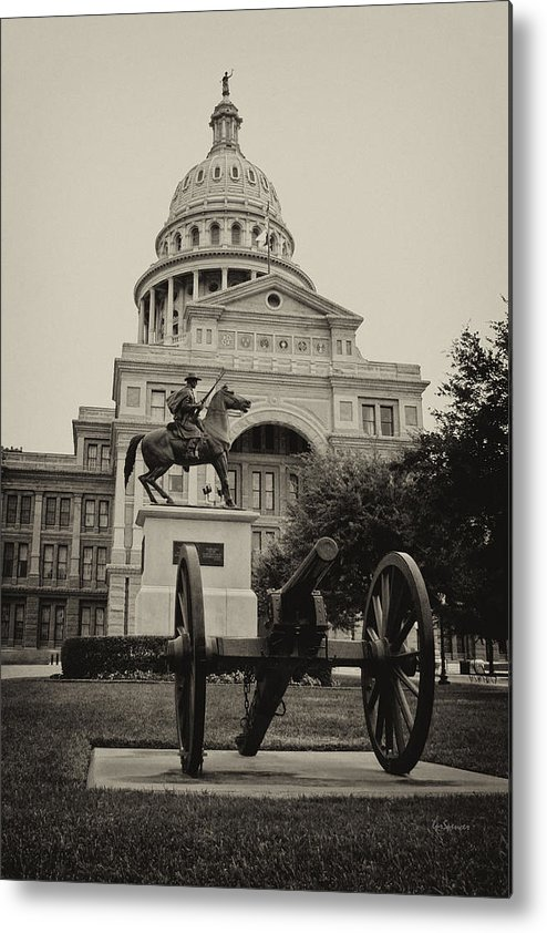 Capitol Of Austin Metal Print featuring the photograph Austin Capitol by Lisa Spencer