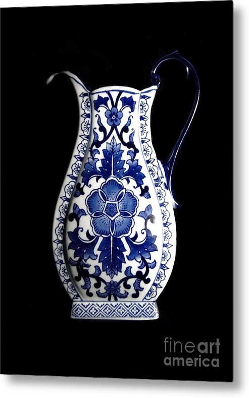 Blue And White Porcelain Metal Print featuring the photograph Porcelain1 by Jose Luis Reyes