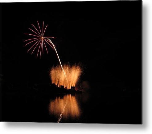 Garrison Cove Metal Print featuring the photograph Light Flower by Donnie Freeman