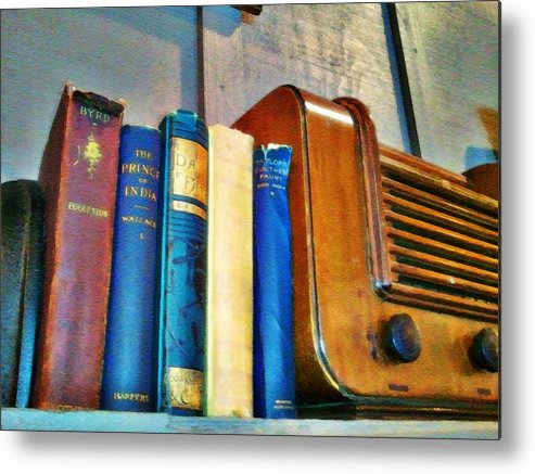 Radio Print Metal Print featuring the photograph Radio by Robert Smith