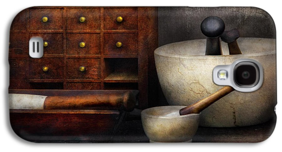 Suburbanscenes Galaxy S4 Case featuring the photograph Apothecary - Pestle And Drawers by Mike Savad