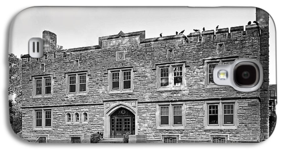 Annapolis Group Galaxy S4 Case featuring the photograph Kenyon College Ransom Hall by University Icons