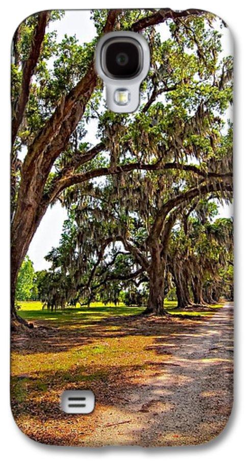 Evergreen Plantation Galaxy S4 Case featuring the photograph Memory Lane by Steve Harrington