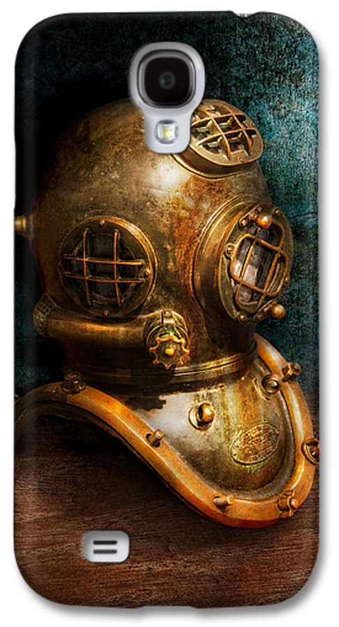 Hdr Galaxy S4 Case featuring the photograph Steampunk - Diving - The Diving Helmet by Mike Savad