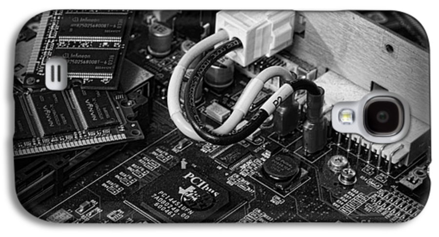 Board Galaxy S4 Case featuring the photograph Technology - Motherboard In Black And White by Paul Ward