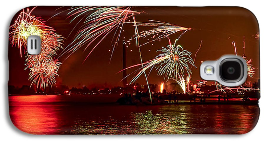 Toronto Galaxy S4 Case featuring the photograph Toronto Fireworks by Elena Elisseeva