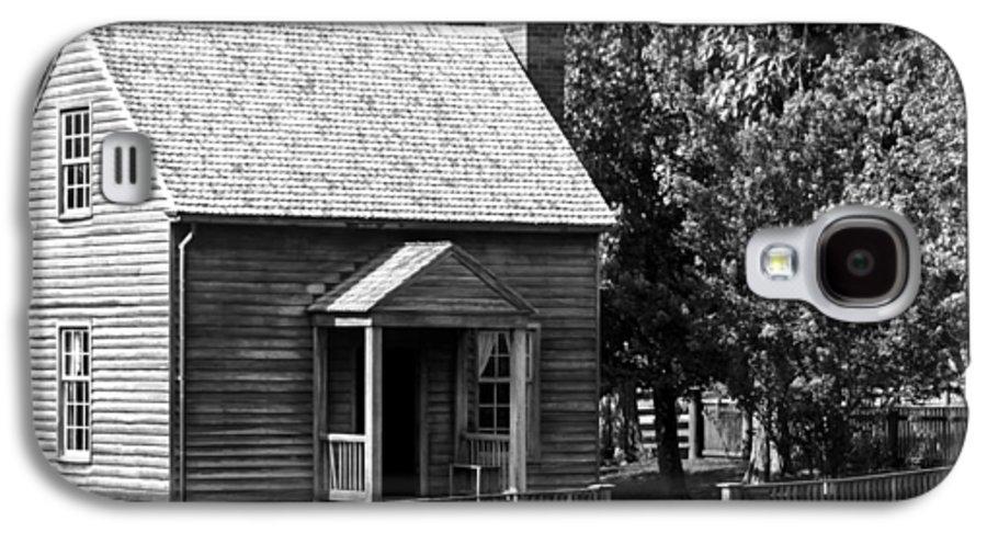 Appomattox Galaxy S4 Case featuring the photograph Jones Law Office Appomattox Virginia by Teresa Mucha