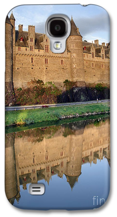 Ancient Galaxy S4 Case featuring the photograph Josselin Chateau by Jane Rix